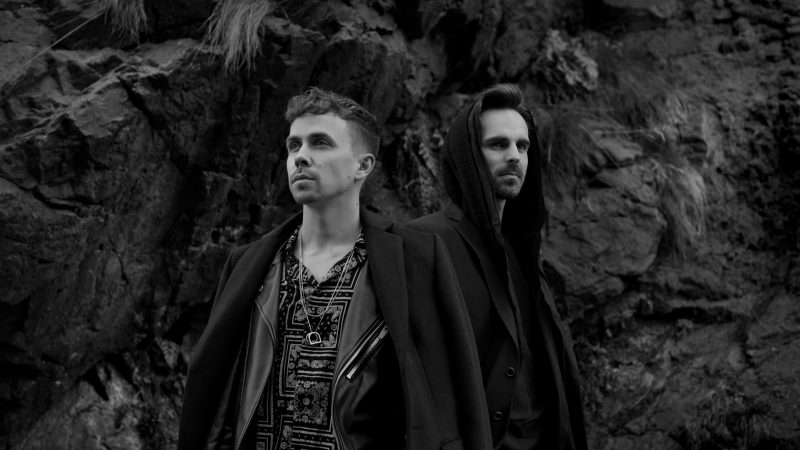 Energická a hudobne vyspelá kapela SLZA vydáva nový album 3.  Spevák Petr Lexa sa predstavuje aj ako autor